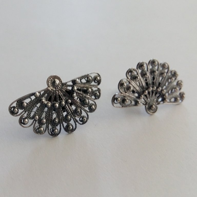 Filigree Earrings Abanico Oscuro