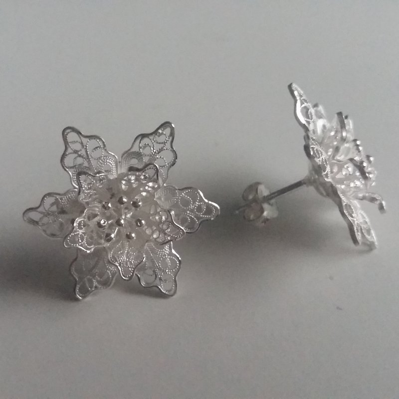 Filigree Earrings Flor de Amor Grande