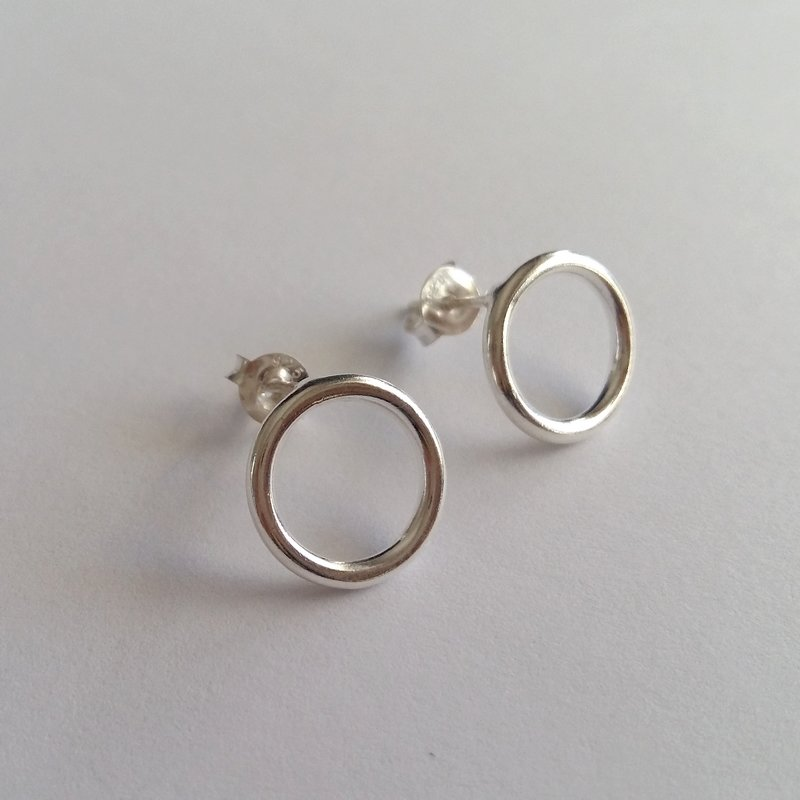 Silver Stud Earrings Karma Circle