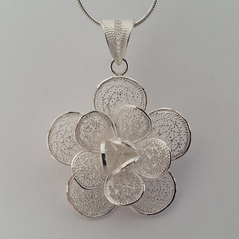 Filigree Pendant Flower