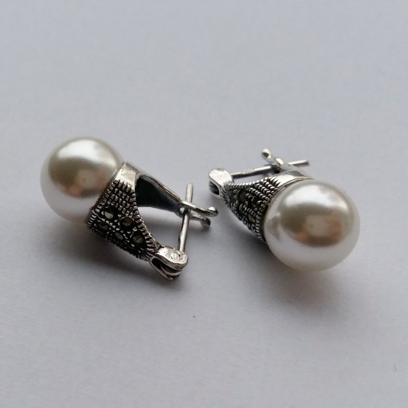Pearl Lady D Earrings with Marquesite