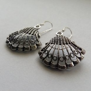 Silver Shell Earrings Las Conchas