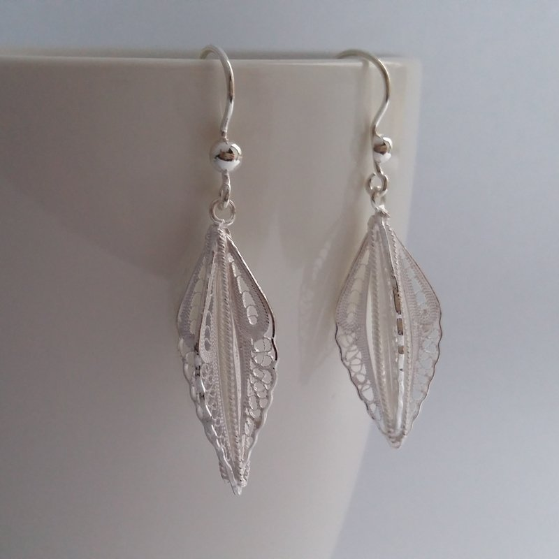 Filigree Earrings Plumas de Angel, light