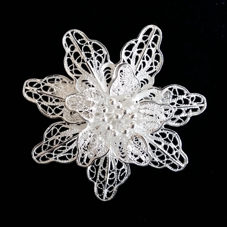 Filigree Brooch Flor de Aurora
