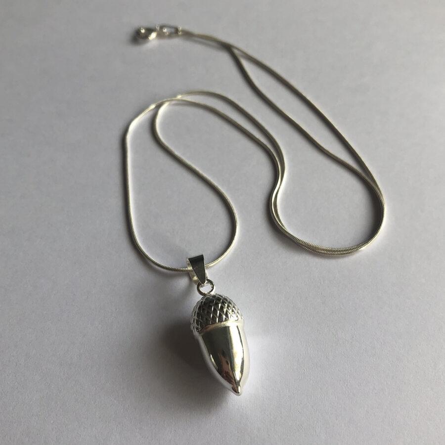 Silver Acorn Pendant Bellota