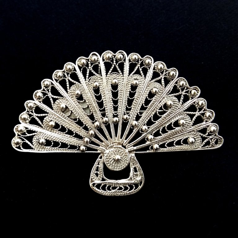 Filigree Brooch Abanico