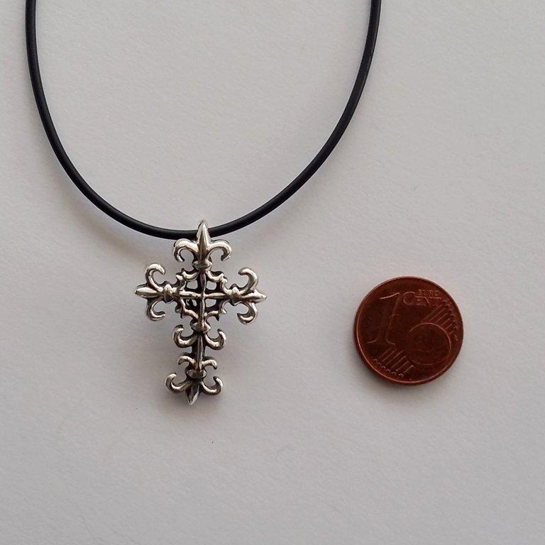 Silver Cross Pendant Flor de Lis