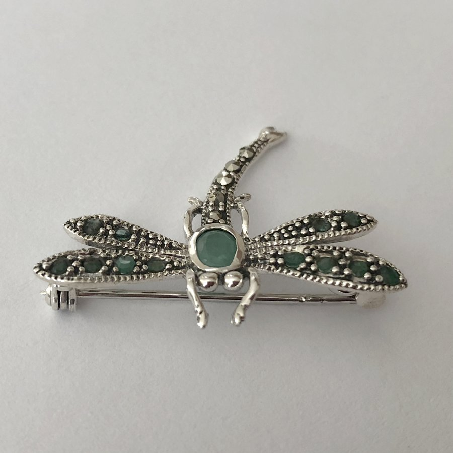 Dragonfly Brooch with Emerald Libelula Esmeralda