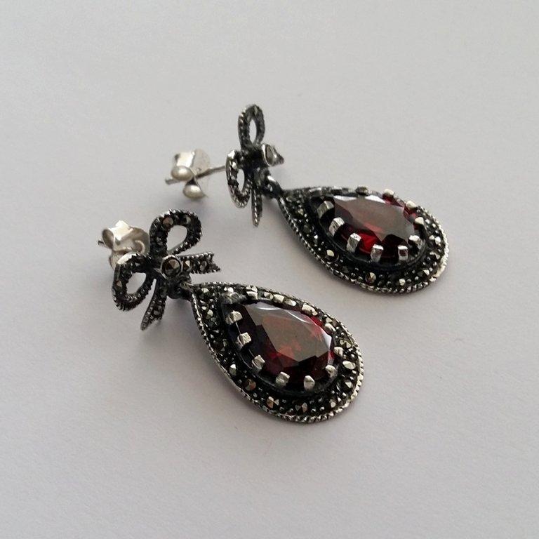 Garnet Earrings Granate Ribbon
