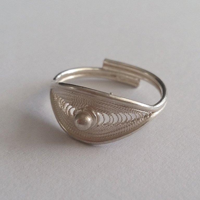 Filigree Ring Iris