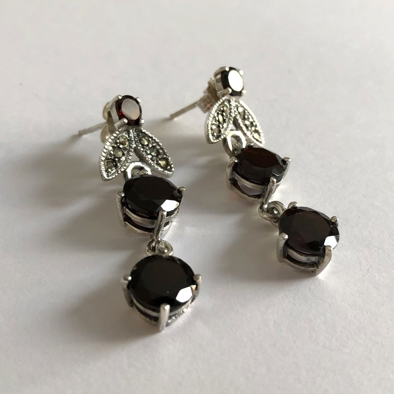 Garnet Earrings Noemi