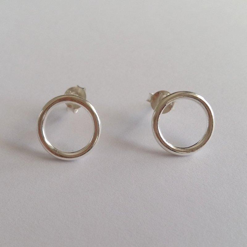 Silver Stud Earrings Karma Circle
