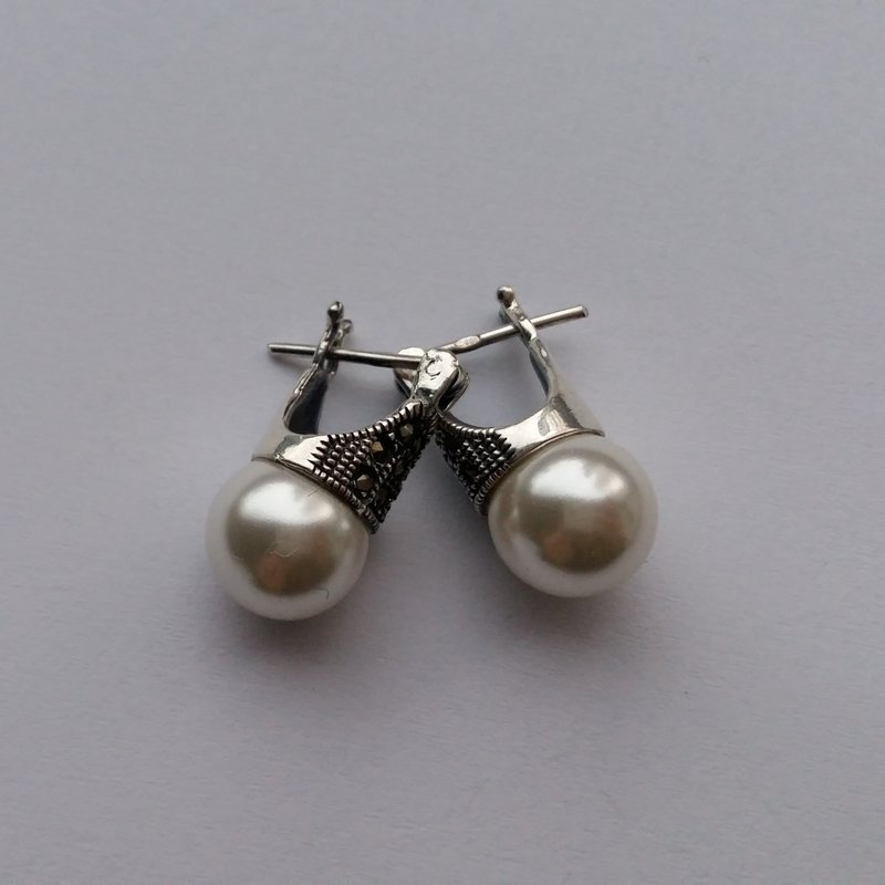 Pearl Lady D Earrings with Marcasite