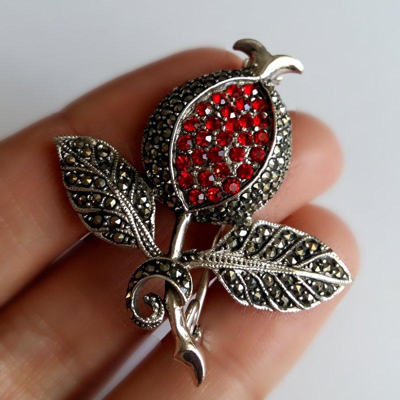 Pomegranate Brooch Granada Grande