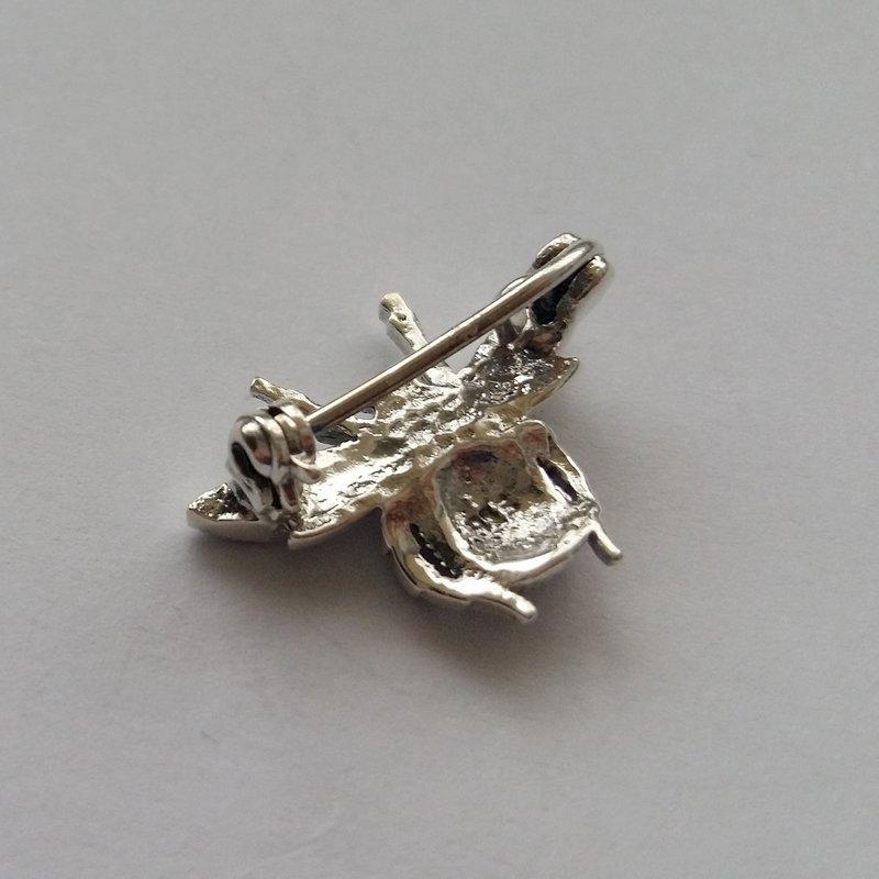 Small Silver Brooch Mosca
