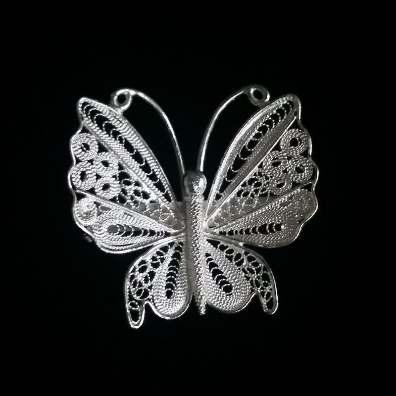 Filigree Butterfly Brooch Mariposa Sentada