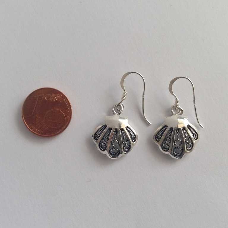 Small Silver Shell Earrings Conchita