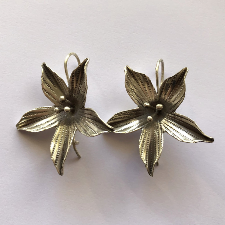 Silver Flower Earrings Flor de Felicidad II