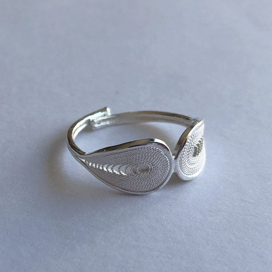 Filigree Ring Dos