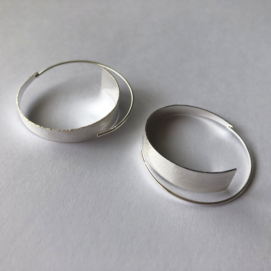 Frosted Silver Hoops Aros