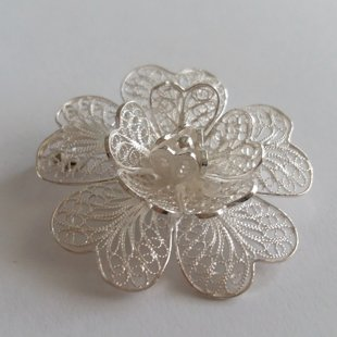 Filigree Brooch Flor Magica