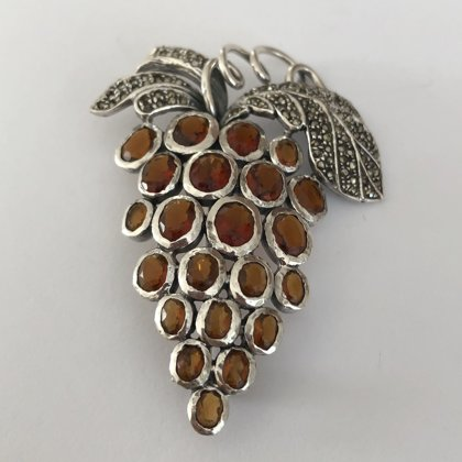 Silver Grape Brooch with Garnet Uvas Granate