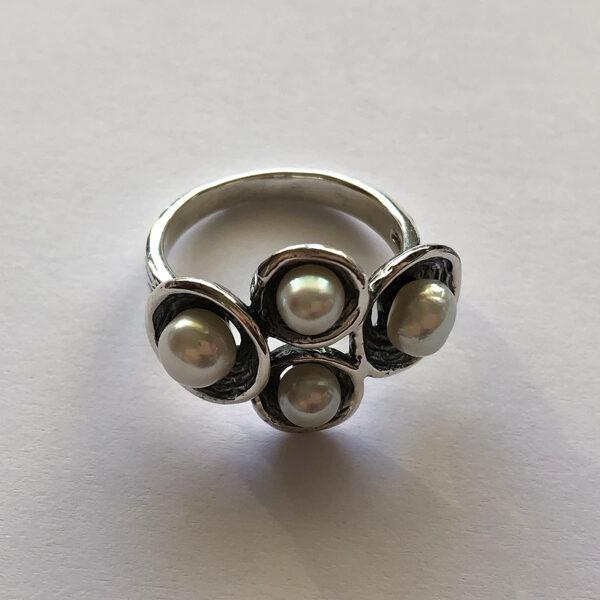 Pērļu gredzens La Perla