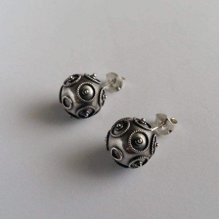 Silver Earrings Bolas