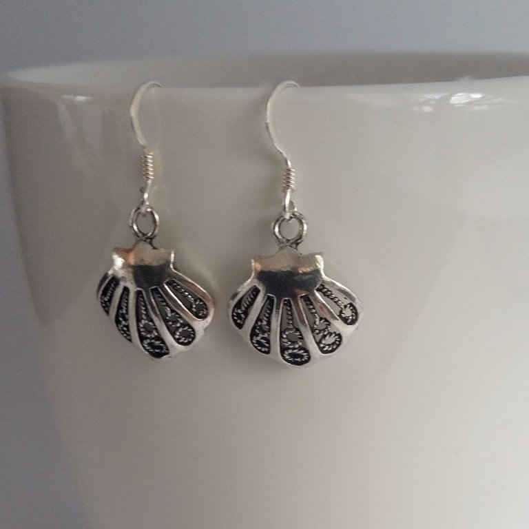 Small Silver Shell Earrings Conchita