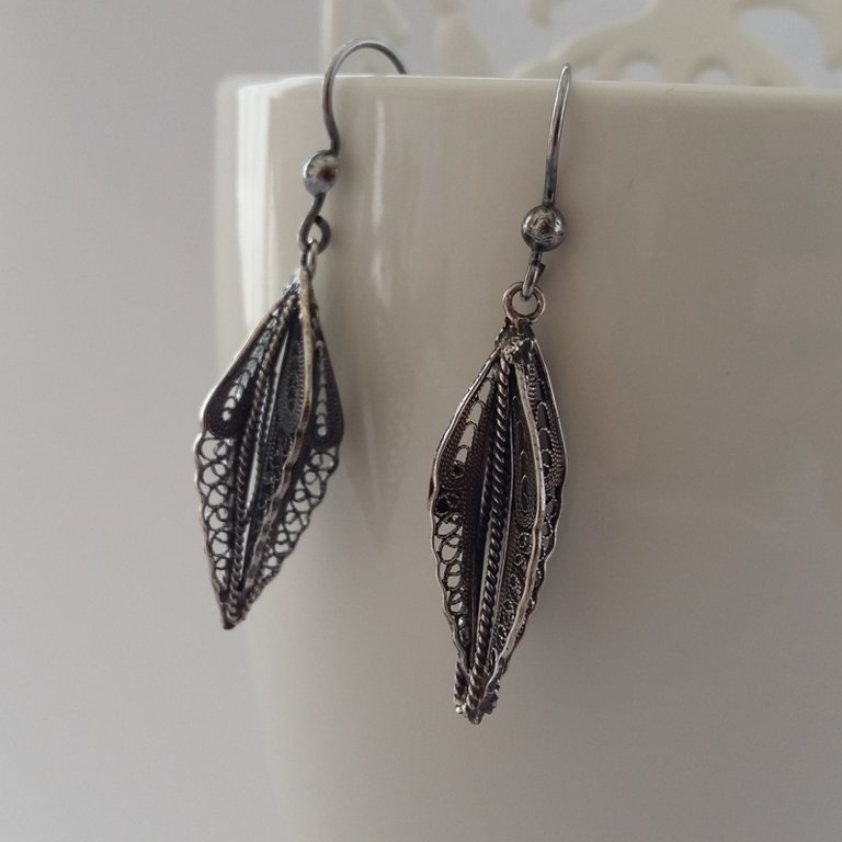 Filigree Earrings Plumas de Angel, dark