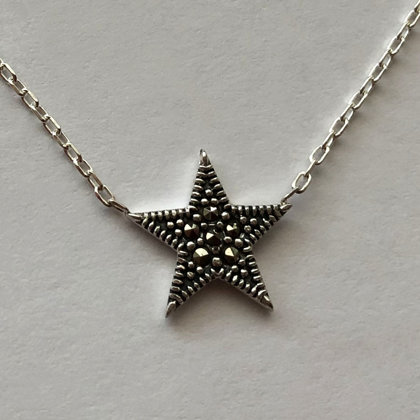 Star Necklace Estrella